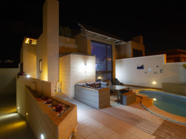 """THE VILLA 39\"", heated Pool, Yacuzzi, BBQ, Games room, terraces, 300 m to beach"