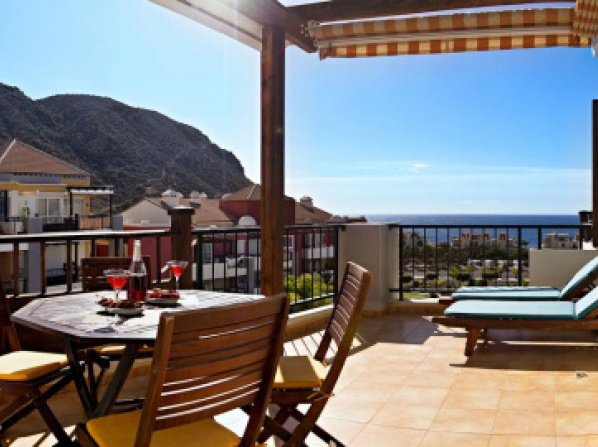 Terrace Sea View, Super Apartment with Pool, WiFi, TV